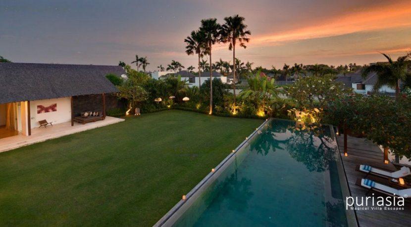 Villa Kavya - Pool at Sunset