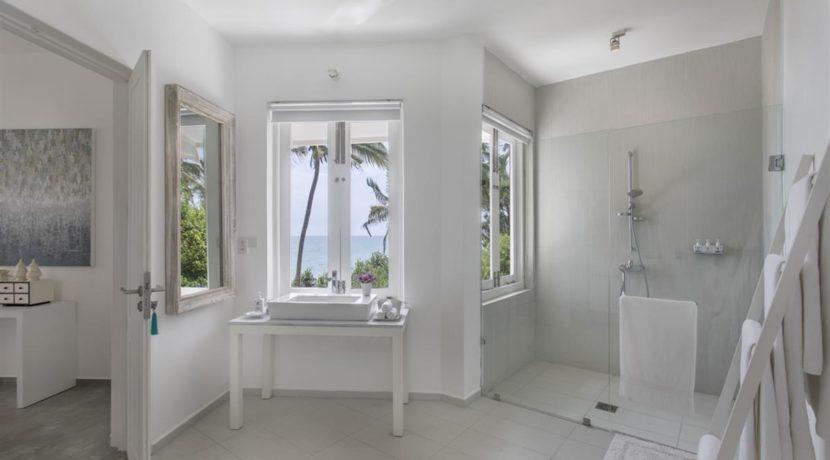 The Sandals Villa - Bathroom