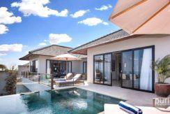 Villa Dewi Lanjar - Pool and Villa