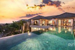 Villa Dewi Lanjar - Pool and Villa at Night