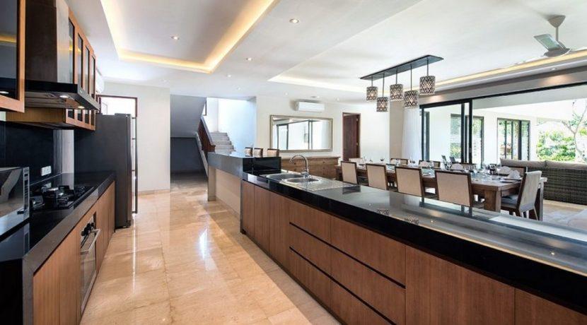 Villa Yamuna - Kitchen