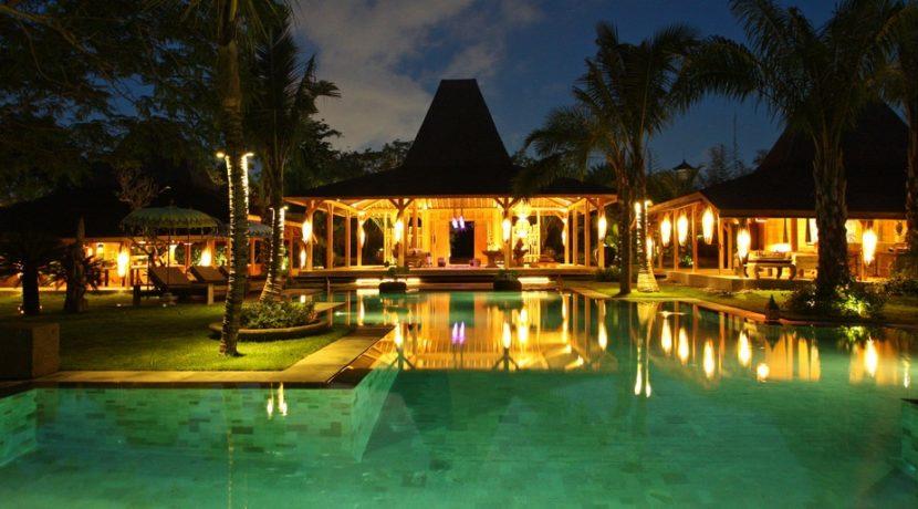 Villa Ka - Pool and Villa at Night