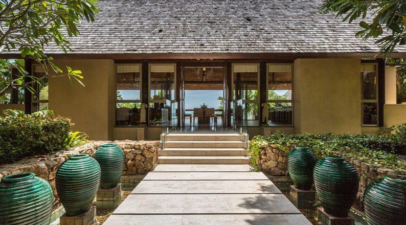 Avasara Residence - Walkway