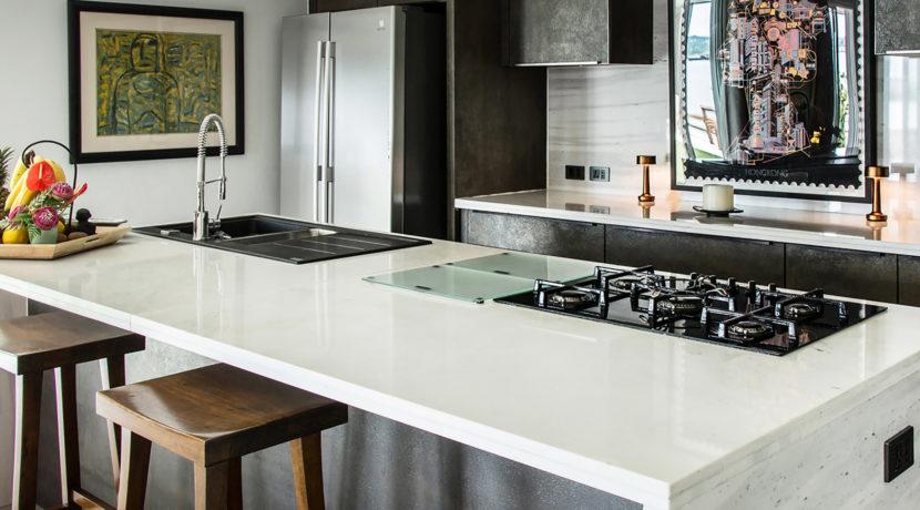 Baan Dalah Villa - Modern kitchen