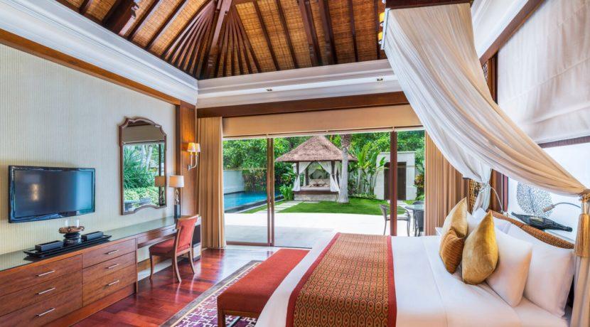 The Laguna Villa Pool Cabana - Luxury Private Villa