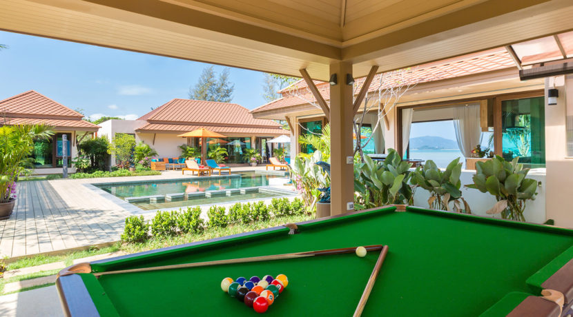 Angthong Villa - Time to play pool