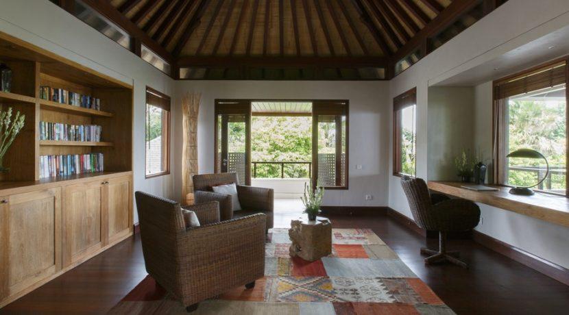 Chintamani Ocean Suite - Study Room