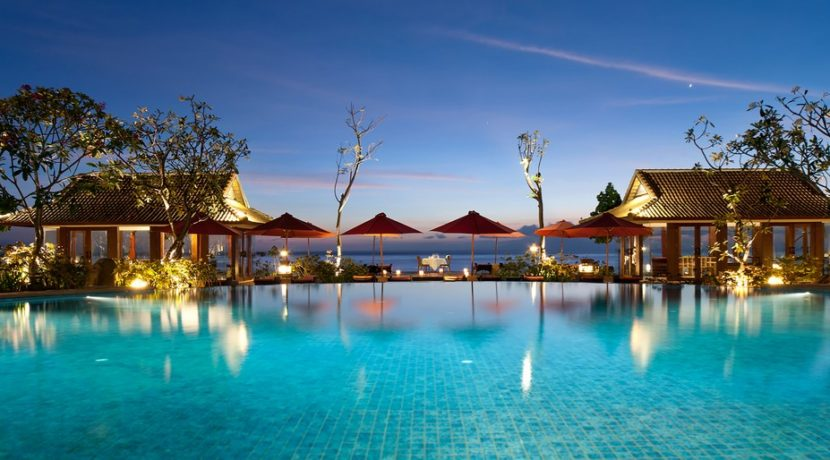 Sudamala Suranadi Villas - Romantic Dinner by the Beach
