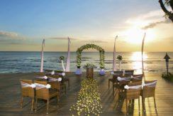 Sudamala Suranadi Villas - Wedding Set up on the Beach