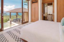 Villa Sandbar - Master bedroom with breathtaking view
