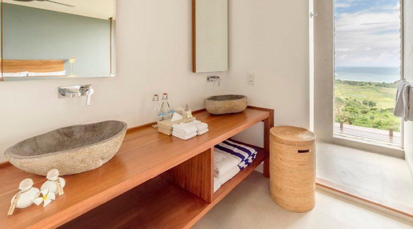 Villa Maleo - Ensuite Bathroom