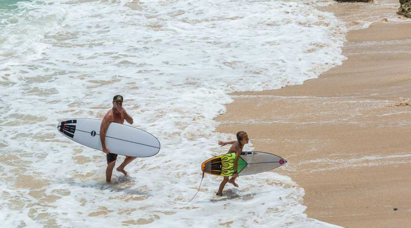 Surfing-in-The-Morning