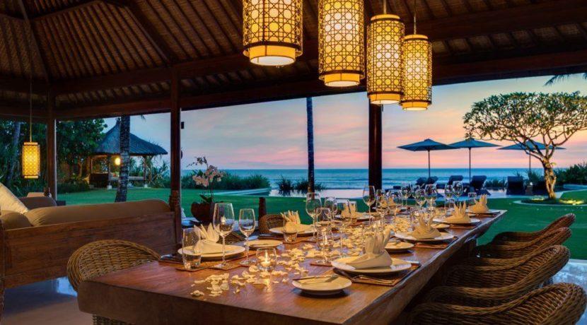 Villa Jagaditha - Dining at Sunset