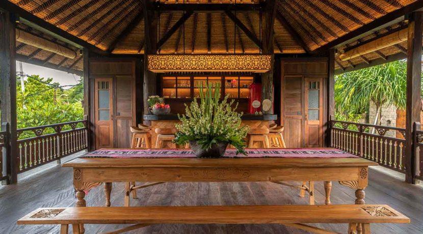 Kapungkur-Villa-Jimbaran---WANTILAN-LIVING-ROOM