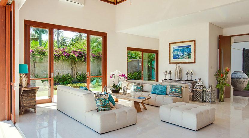 Villa-Tirta-Nila---Indoor-lounge