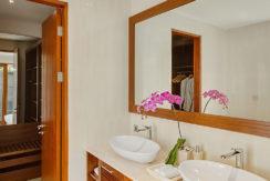 Villa-Tirta-Nila---Oceanfront-bedroom-bathroom