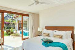 Villa-Tirta-Nila---Oceanfront-bedroom-interior